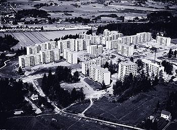 The grand plan: suburban reality in Suvela, Helsinki, 1971. Photo by Studio B. Möller, from Elämää lähiössä ('Life in a suburb').
